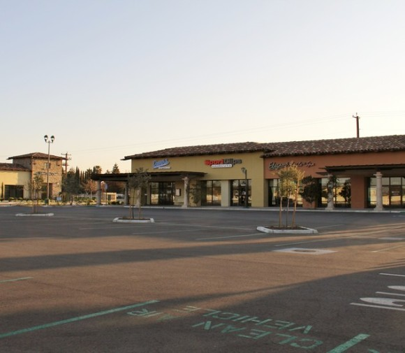 Grand Island Retail Shops Bakersfield CA